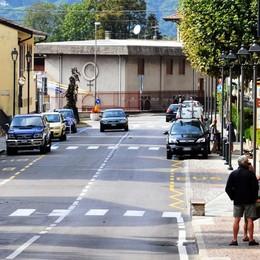 Via Martiri a Barzio, dal luglio cambia tutto  Arrivano senso unico e posteggi-lampo