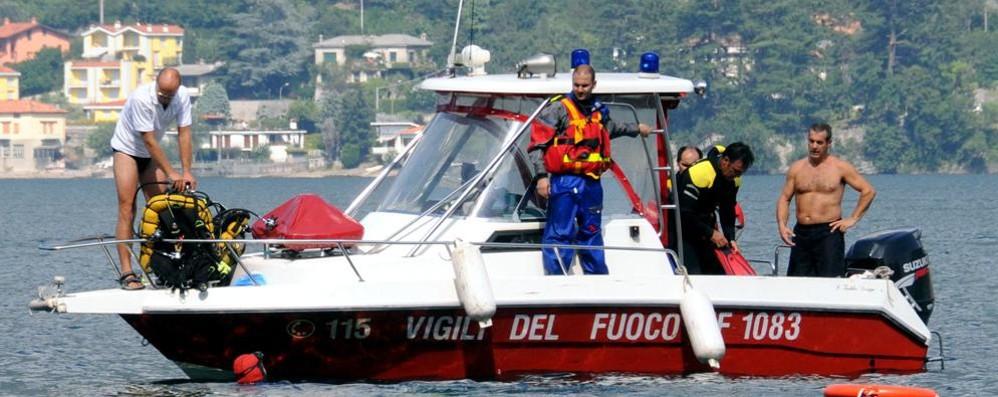 Corpo senza vita di una donna  ritrovato nel lago a Pescate