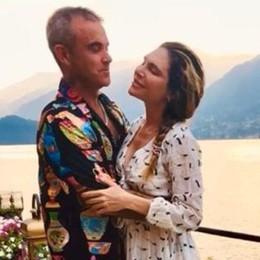 Bellagio, Robbie Williams e la moglie  Innamorati su lago di Como