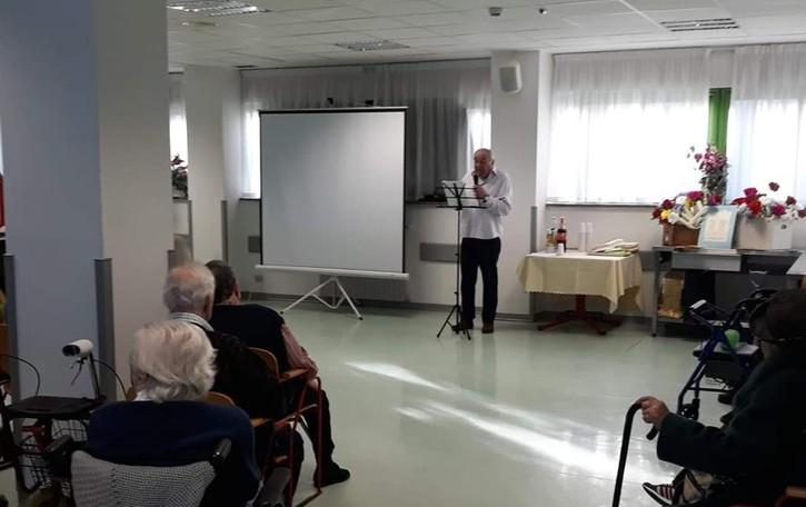 Valmadrera, trecento anziani in attesa   «Da settembre riapriranno gli ingressi»