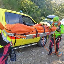 Escursionista si rompe una gamba  Soccorsa all'Alpe d'Alben