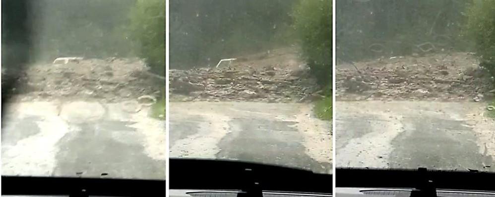 La tragedia di Chiareggio  L'auto prima bloccata  poi sepolta dal fango (video)