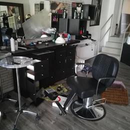 Osnago, Furto da 9 mila euro nel salone  Scappano con attrezzi e prodotti