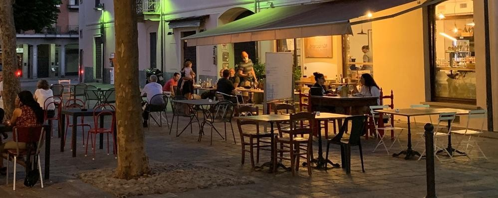 Negozi di vicinato a Erba  Centomila euro per ripartire