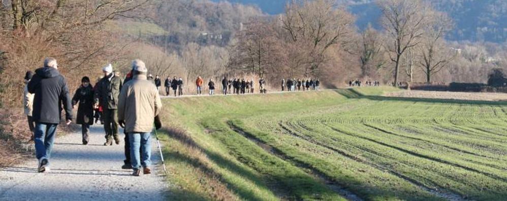 Volontario novantenne multato  Il sindaco di Brivio: «È la legge»
