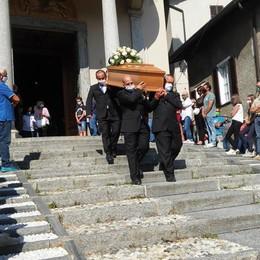 Barzio si è fermata per l'addio a Serafino  L'ultimo saluto a una persona per bene