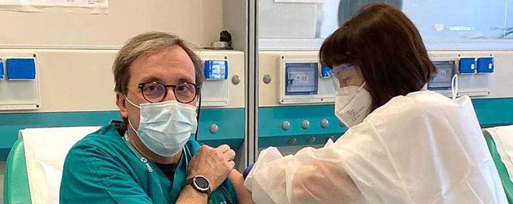 Erba, la campagna anti Covid Vaccini per 540 ospedalieri