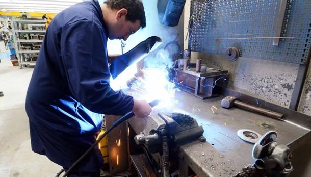 «Reddito cittadinanza a Lecco  700 persone hanno trovato lavoro»