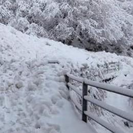 Alpe Colonno, slavina sulla strada  «Non ci sono pericoli imminenti»