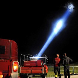 Frana a Novate Mezzola  Masso su una casa  Evacuate 25 abitazioni