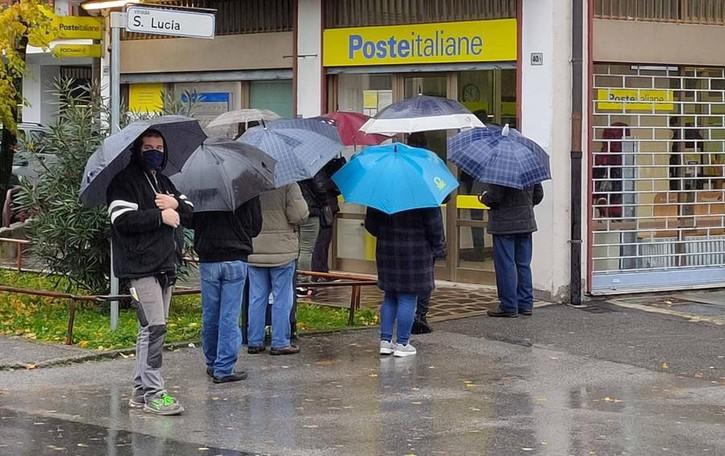 I risparmi in Posta spariscono nel nulla  Sotto accusa l'impiegato allo sportello