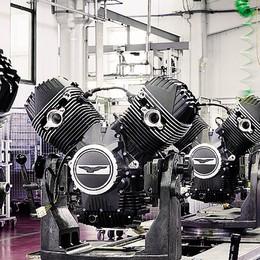 Moto Guzzi, la fabbrica rinnovata   Il regalo per i cento anni di attività