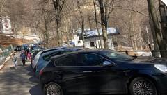 Piani Resinelli, posti auto lungo l'anello  Stavolta nessuno è tornato indietro