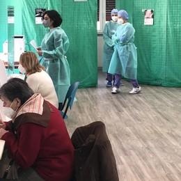A Olgiate i vaccini solo dopo Pasqua  «Prima i centri con meno anziani»