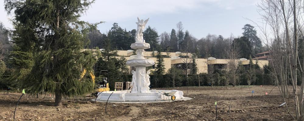 «La fontana di Berlusconi a Merate?  Lì nel parco è un pugno nell'occhio»