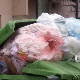 """Valmadrera, Raccolta """"sacco rosso""""  Tre comuni pronti alla rivoluzione rifiuti"""