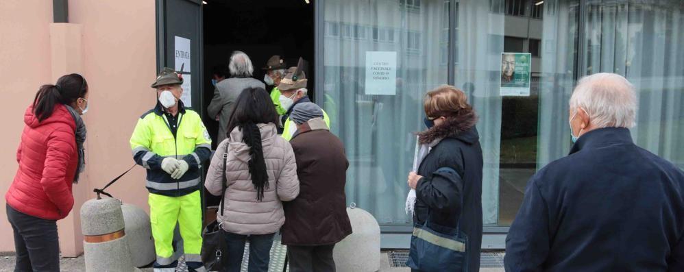 Vaccini, ancora caos  Over 80 rimandati indietro  per l'errore della Regione