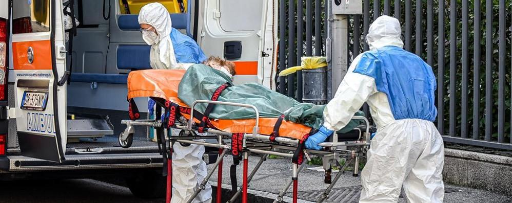 Covid: 21.261 positivi in Italia  e i morti sono 376  A Como 250 casi,  124 a Lecco e 74 a Sondrio