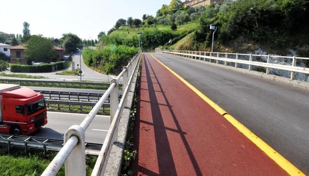 Prove di carico sul cavalcavia  Chiude il ponte di Tabiago