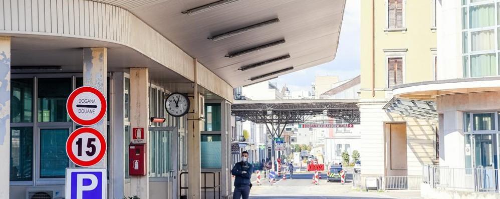 """Svizzera, dal 31 ok  ai ristoranti al chiuso  """"Cassa"""" per 24 mesi"""