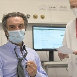 """Vaccini per under 60  non """"fragili"""": ipotesi  prenotazioni il 6 maggio"""