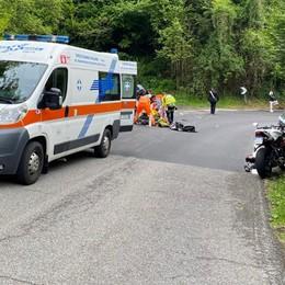 Colle Brianza, perde il controllo della moto   Muore  giovane motociclista