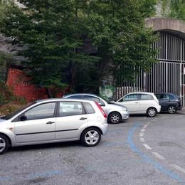 Parcheggi blu a Mandello  Arrivano gli ausiliari del traffico