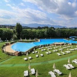 Nibionno, aprono le piscine esterne  «Spazio a novanta bagnanti alla volta»