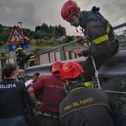 Coinvolto in un incidente a Bellano  Tenta di gettarsi dal viadotto