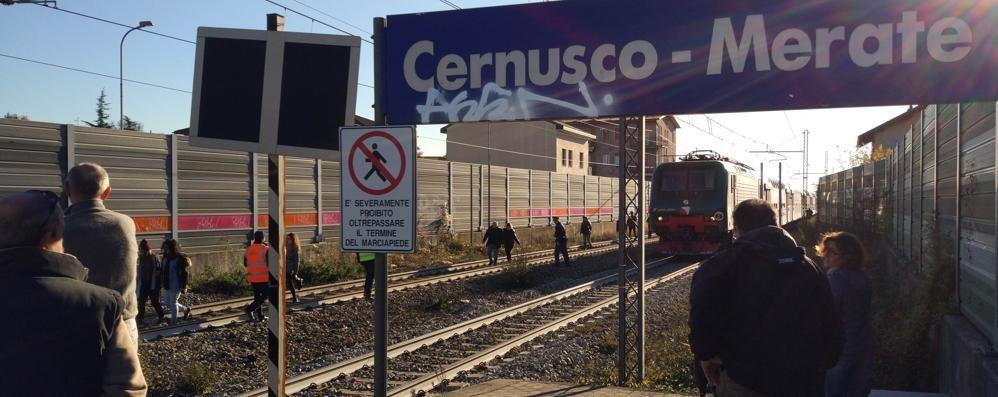 """Da settembre i treni a Rogoredo  E i pendolari """"perdono"""" mezz'ora"""