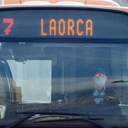 Lecco, disabile costretta   a scendere dal bus