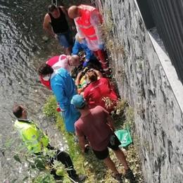 Malgrate, Cantiere sul lungolago  Paura per un operaio caduto dalla scala
