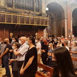 Oggiono, una folla di amici per Lorenzo  «Oggi è  Venerdì Santo»