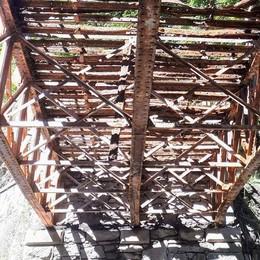 Ponte sul Varroncello, spunta l'ossatura  di centodieci anni fa